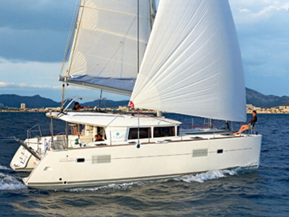 Bareboat Catamaran Lagoon 400 Stray cat (Sails 2019, Solar panel) - For Charter - Details
