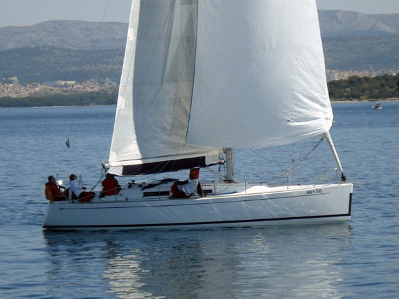 Sail boat Grand Soleil 37 R Sportski Vuk (Sails 2016) - FOR SALE - Details