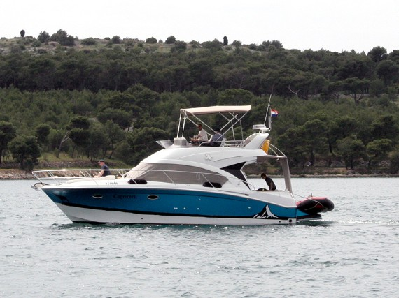 Bareboat Motor boat Beneteau Antares 36 Capricorn (AC, Generator, Bowthruster, Sterntruster) - FOR CHARTER - Details