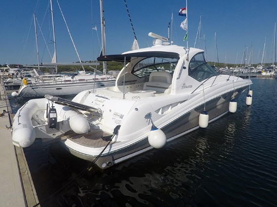 Bareboat Motoryacht Sea Ray 455 Gandalf - For Charter - Details
